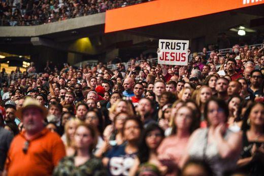 Miles de personas asistieron al evento evangelístico.