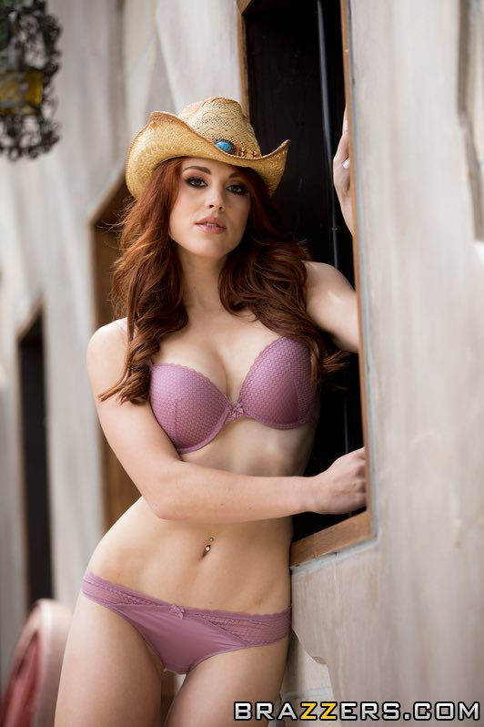 Molly Stanton Nude