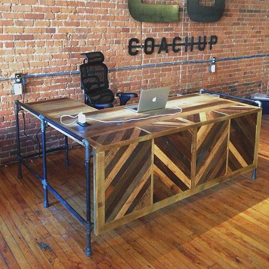 desain meja kantor minimalis dari palet bekas