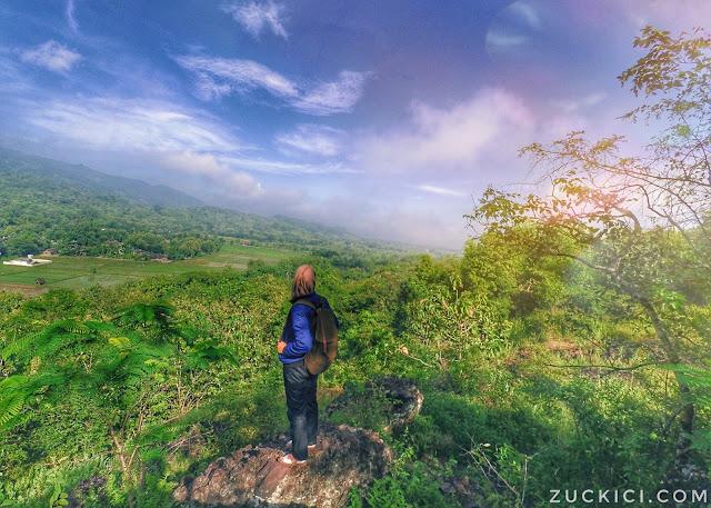 Pemandangan dari atas Gunung Sepikul