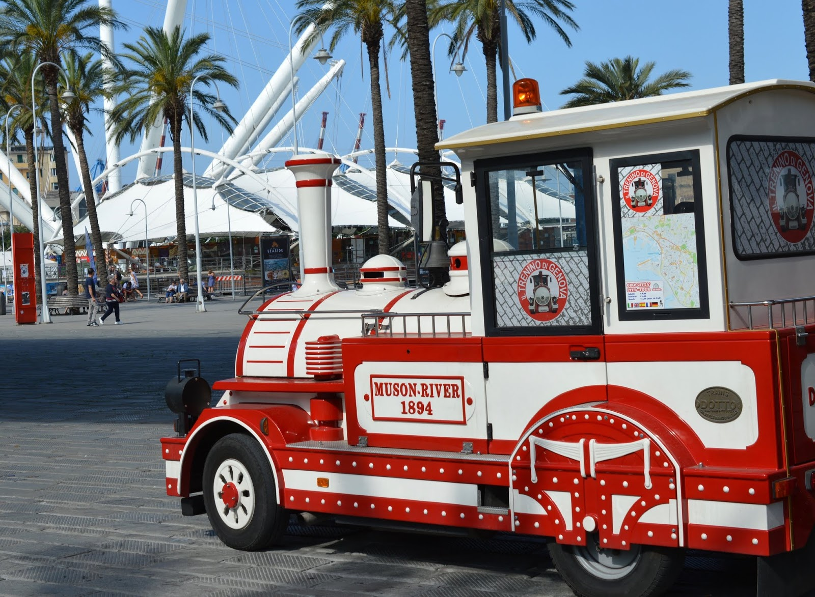 How to spend a weekend in Genoa with kids - mini train rides at the old port