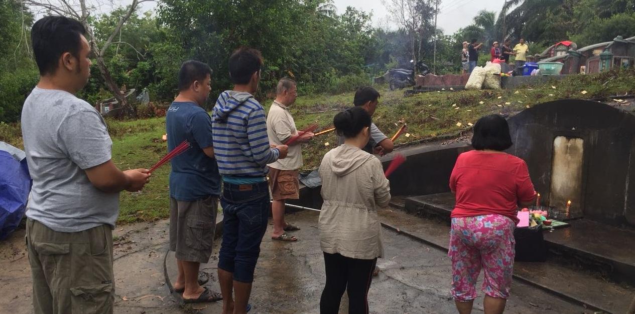 Ceng Beng di Sungai Ayak Sekadau Ramai Didatangi Sanak Keluarga diluar Daerah