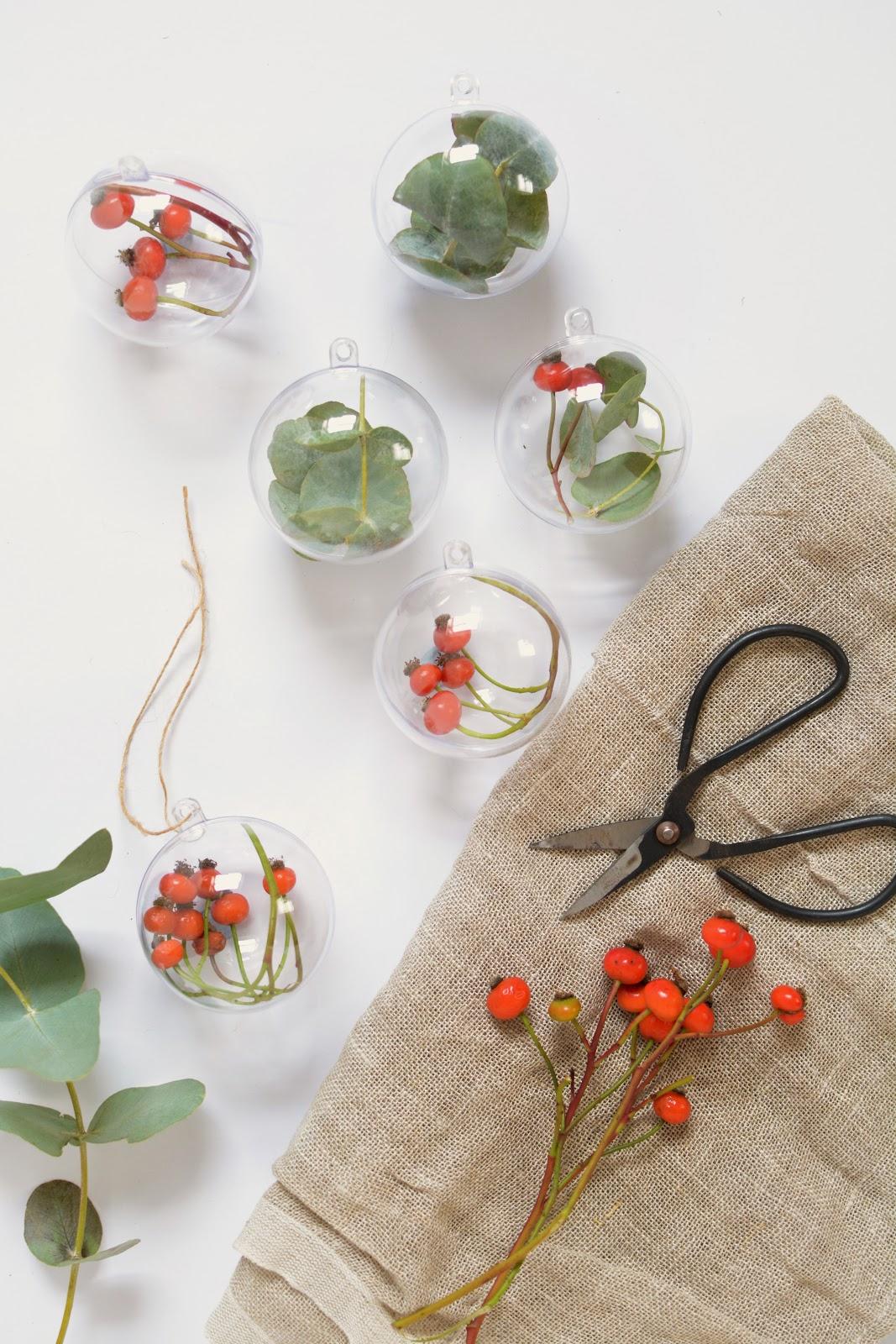 DIY | fresh foliage baubles