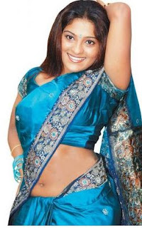 flabby belly in saree
