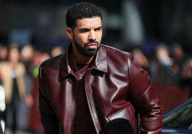 Drake called a 'legend' after paying $50,000 towards biology student's tuition fees