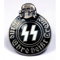 ss black corps pin with skull - Nazista comandante de vários massacres é descoberto vivendo como carpinteiro