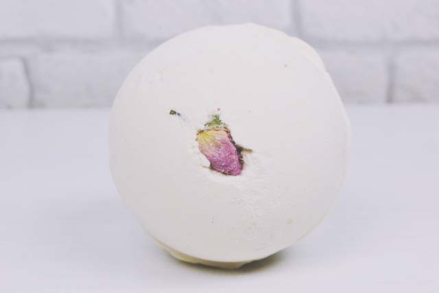 Lush Rose Bombshell Bath Bomb Review