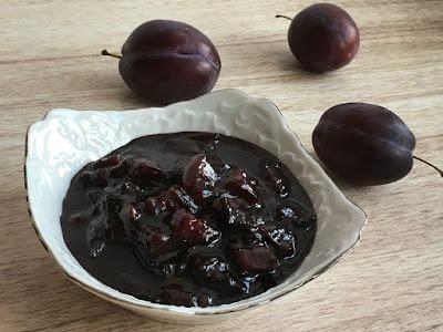 Konfitura ze śliwek z dodatkiem kakao na pyszny deser