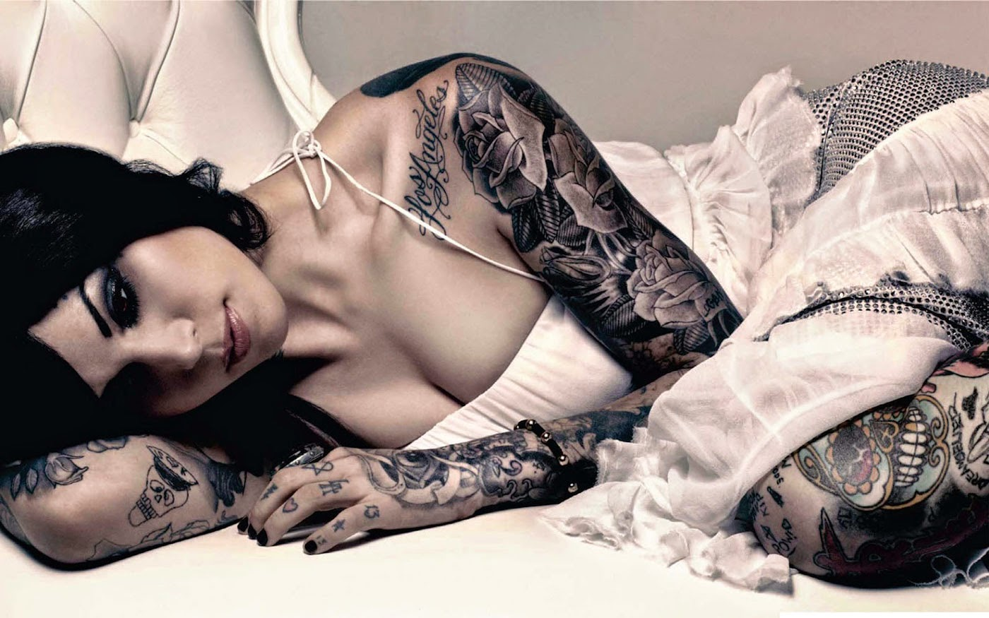 Full Arm Tattoo Girl Wallpaper