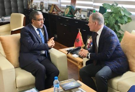 سيناتور ديمقراطي يدعو للتحقيق مع سياسي أمريكي زار المغرب بشبهة تبديد الأموال