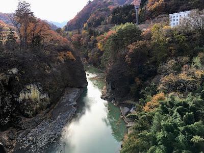 ふれあい大橋から見る吾妻渓谷