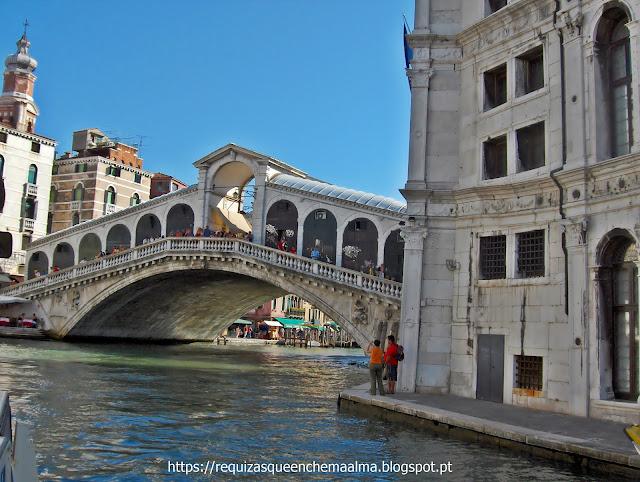 Ponte de Rialto, a mais antiga sobre o Grande Canal