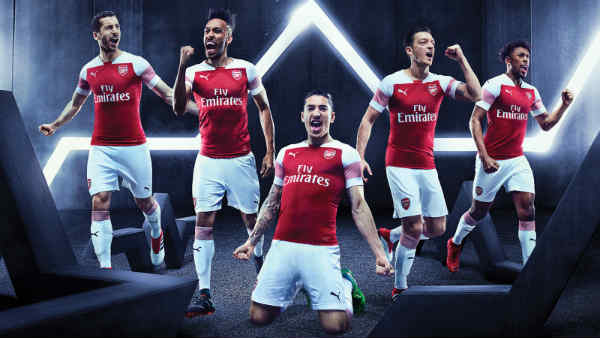 best cheap 56a63 d726a Arsenal 2018/19 Kit - Dream League Soccer 2019 - Gamer Ghar