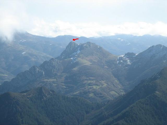 Rutas Montaña Asturias: Desde el pico Lobiu, vista del pico Gorrión