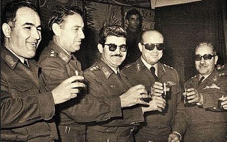 Akıntıya Karşı: Yunan Albaylar Cuntası ve Kıbrıs