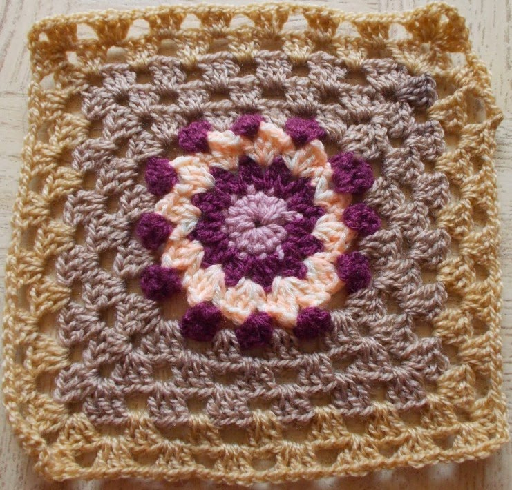 free crochet granny square patterns, free crochet motif patterns, free crochet blanket pattern, free crochet flower granny square patterns,