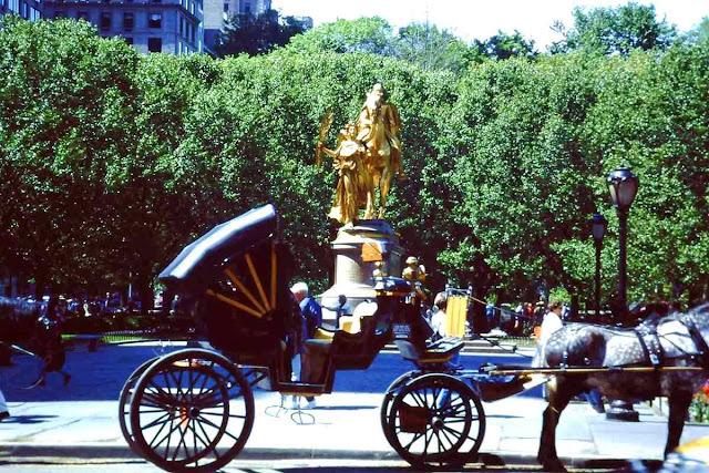 Pferdekutschen am Central Park in New York für Kinder