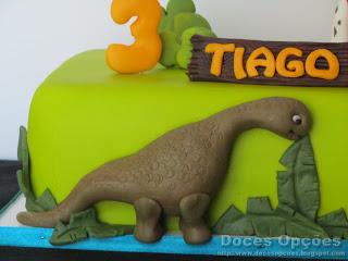 dinossauro bolo pasta açucar