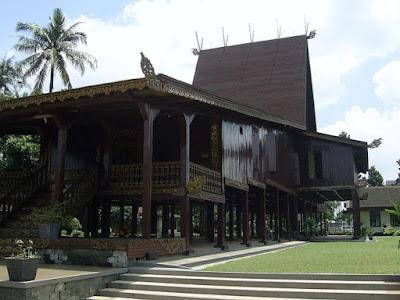 Bubungan Tinggi, Rumah Adat Kalimantan Selatan
