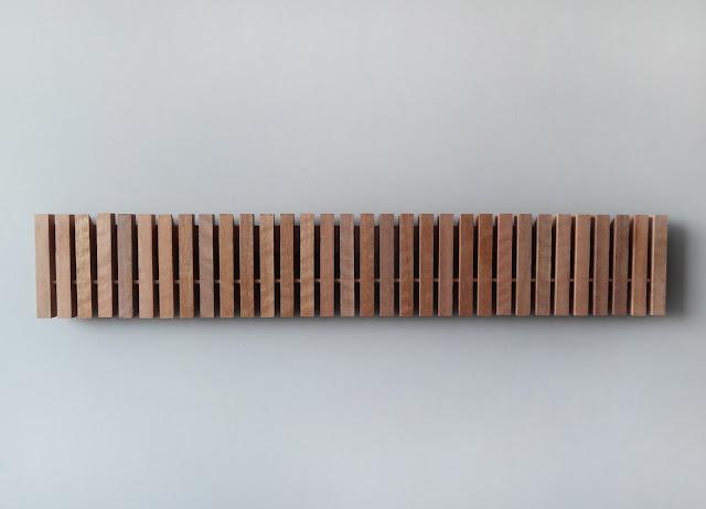 Sumaysuma marimba colgador de pared dise o inteligente for Colgadores de pared adhesivos
