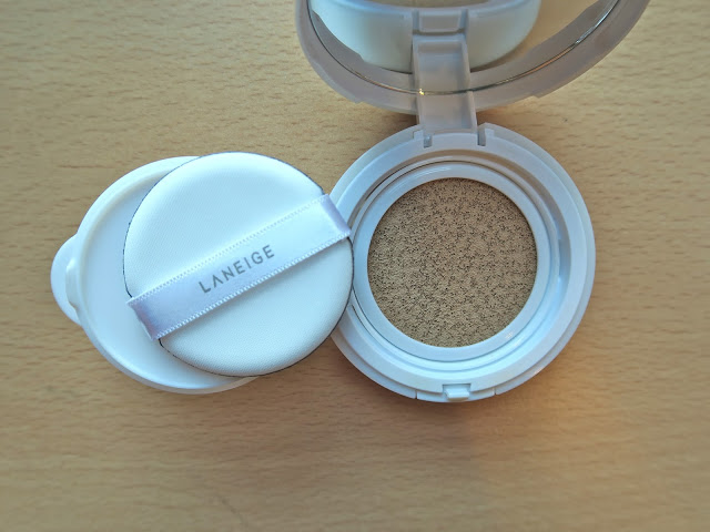 Laneige BB Cushion applicator