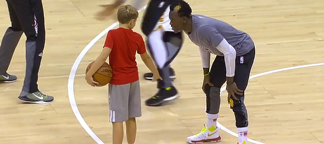 Dennis Schroder Plays 1-on-1 with Mike Budenholzer's Son (VIDEO)