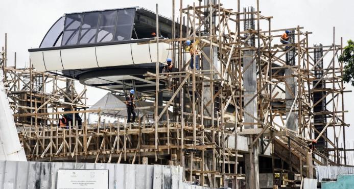 Instalan cabina del Teleférico de Santo Domingo en la estación I