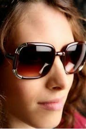 Kacamata Hitam Chloe yang Keren