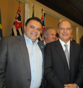 Marcos Damasio destina quase R$ 1,5 milhão para oito cidades no primeiro semestre