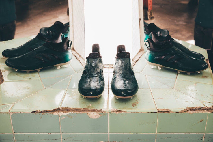 Color-Changing Forest Green Adidas Glitch Corrozone 2017 Boots Released -  Footy Headlines e8b104dd005