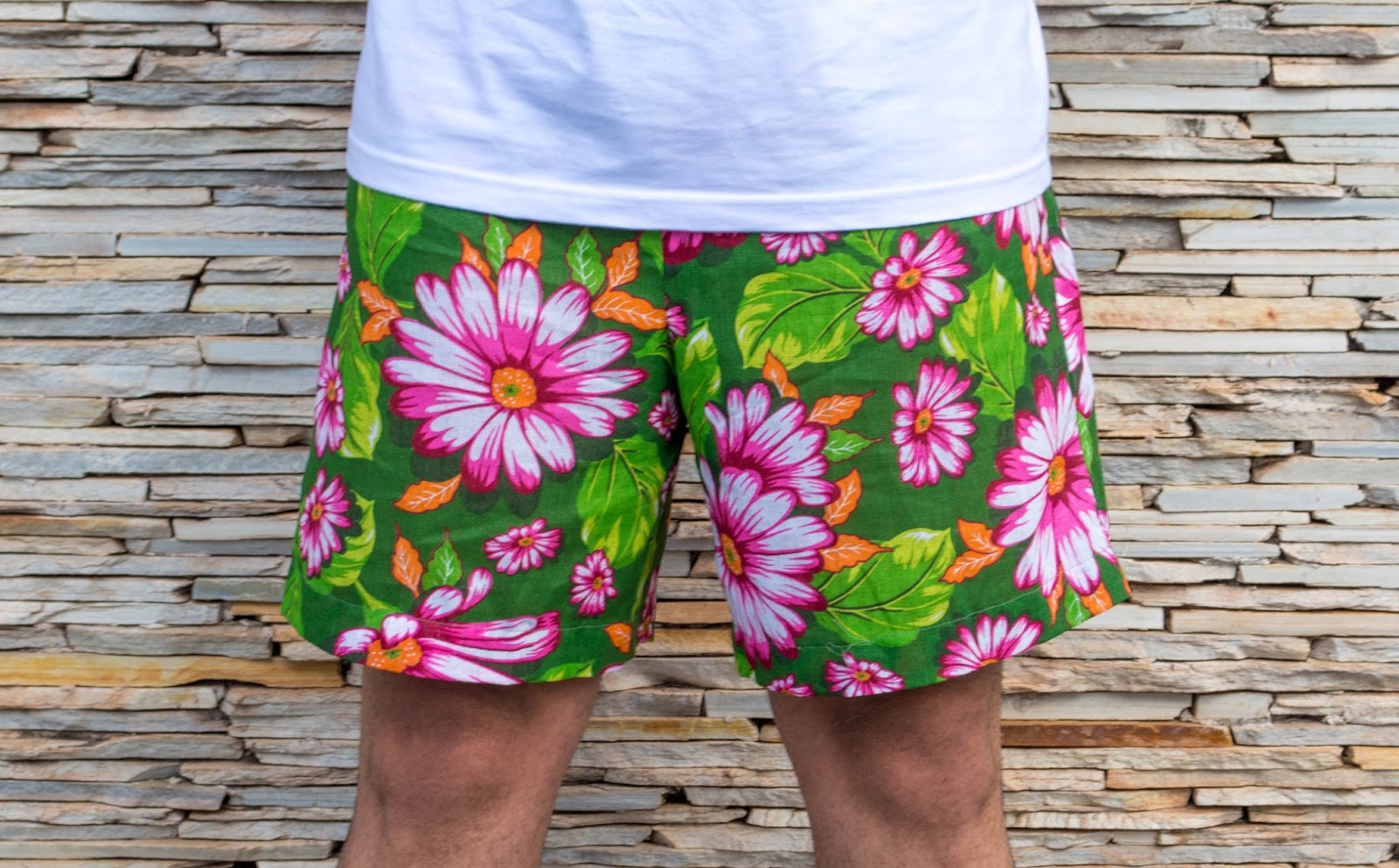 look short masculino estampado floral