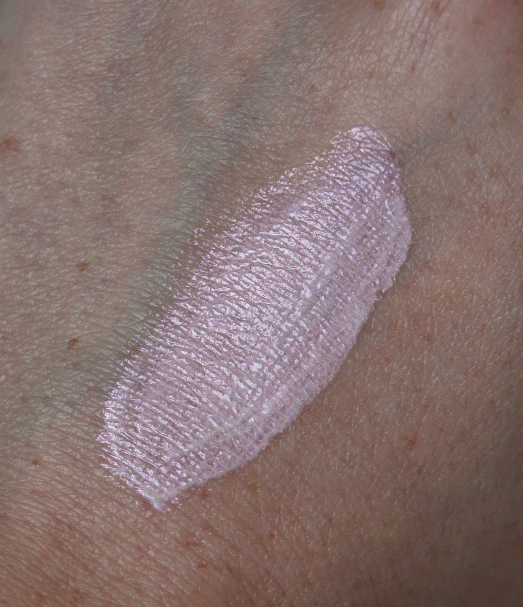 Illamasqua Gleam Cream Flex Swatch
