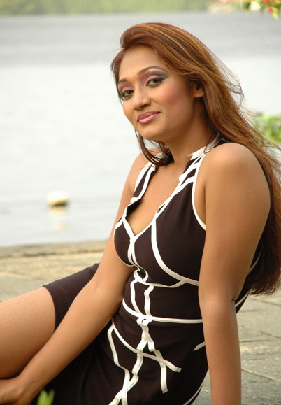 Model Upeksha Swarnamali Hot Picture Shiner Photos
