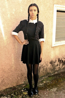 https://www.google.com/amp/s/lyndsaypicardal.wordpress.com/2014/10/31/easy-and-inexpensive-halloween-costume-wednesday-addams/amp/?source=images