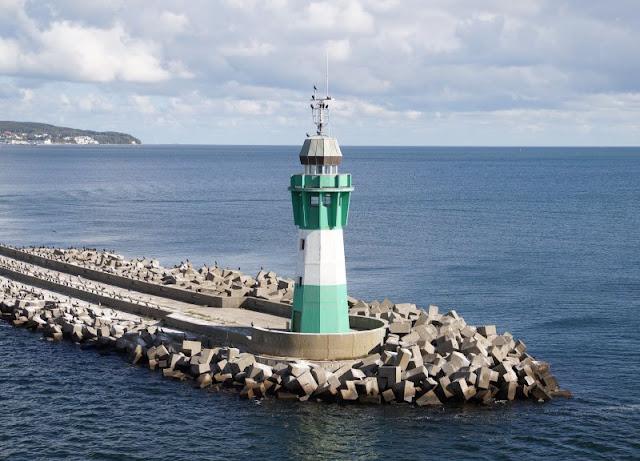 """Bornholm mit Kindern im Herbst. Teil 1: 10 Tipps für die Überfahrt mit der Fähre von Sassnitz nach Rønne. Die Sicht von Bord der """"Hammershus"""" ist großartig."""