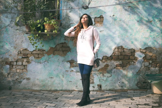 delhi winter, fashion, how to style high waist jeans, how to style knee high boots, how to style thigh high boots, instaqueen, splash, winter fashion trends 2017, cool sweatshirt, ,beauty , fashion,beauty and fashion,beauty blog, fashion blog , indian beauty blog,indian fashion blog, beauty and fashion blog, indian beauty and fashion blog, indian bloggers, indian beauty bloggers, indian fashion bloggers,indian bloggers online, top 10 indian bloggers, top indian bloggers,top 10 fashion bloggers, indian bloggers on blogspot,home remedies, how to