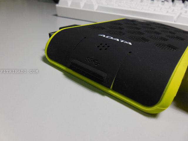 Ulasan External Hard Disk Adata HD720 Yang Lasak