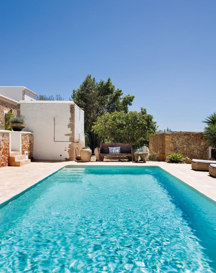 Estilo mediterráneo combinado con glamour y modernismo