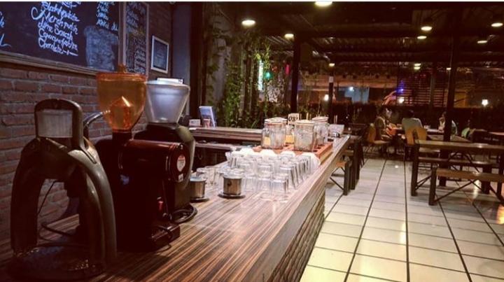 Cafe HITS Kediri - JW Cafe