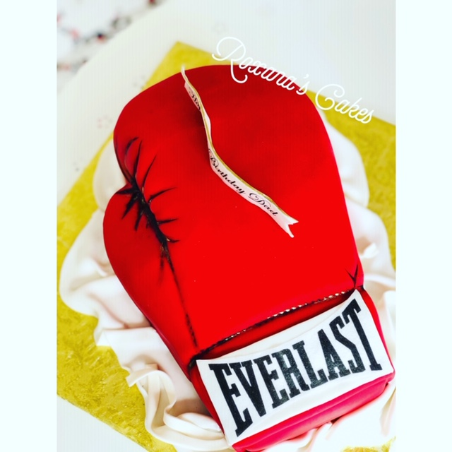 Brilliant Baking With Roxanas Cakes Red Boxing Glove Birthday Cake Funny Birthday Cards Online Hendilapandamsfinfo