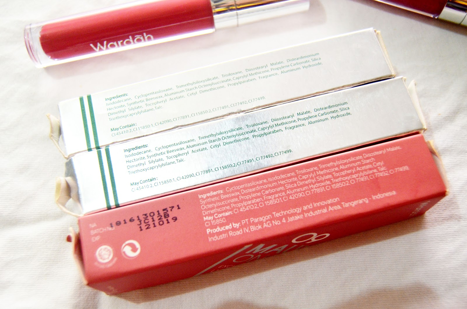 Review Wardah Exclusive Matte Lip Cream 01 07 09 12 Intense Lipstik No9 Kemasannya Menurut Gue Kece Banget Simpel Cantik Elegan Mirip Colorpop Tapi Masih Ada Ciri Khas Desain Yang Nggak Rame Megangnya Juga Enak Gitu