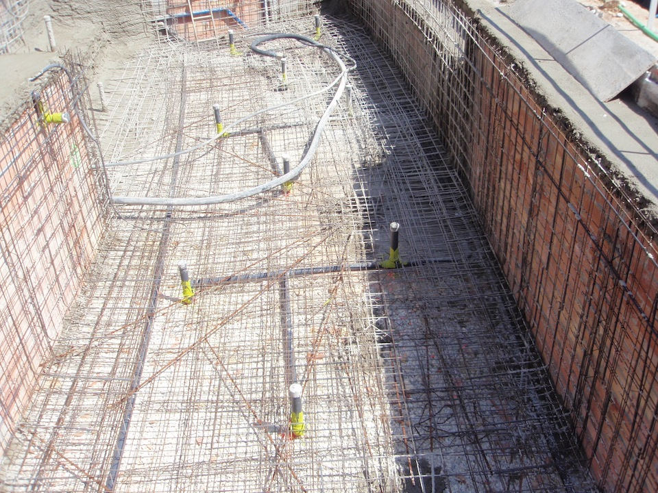 Fases de construcci n de una piscina que realizamos for Como hacer una piscina de concreto