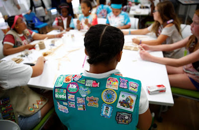 Girl Scouts Offers New Badges - STEM