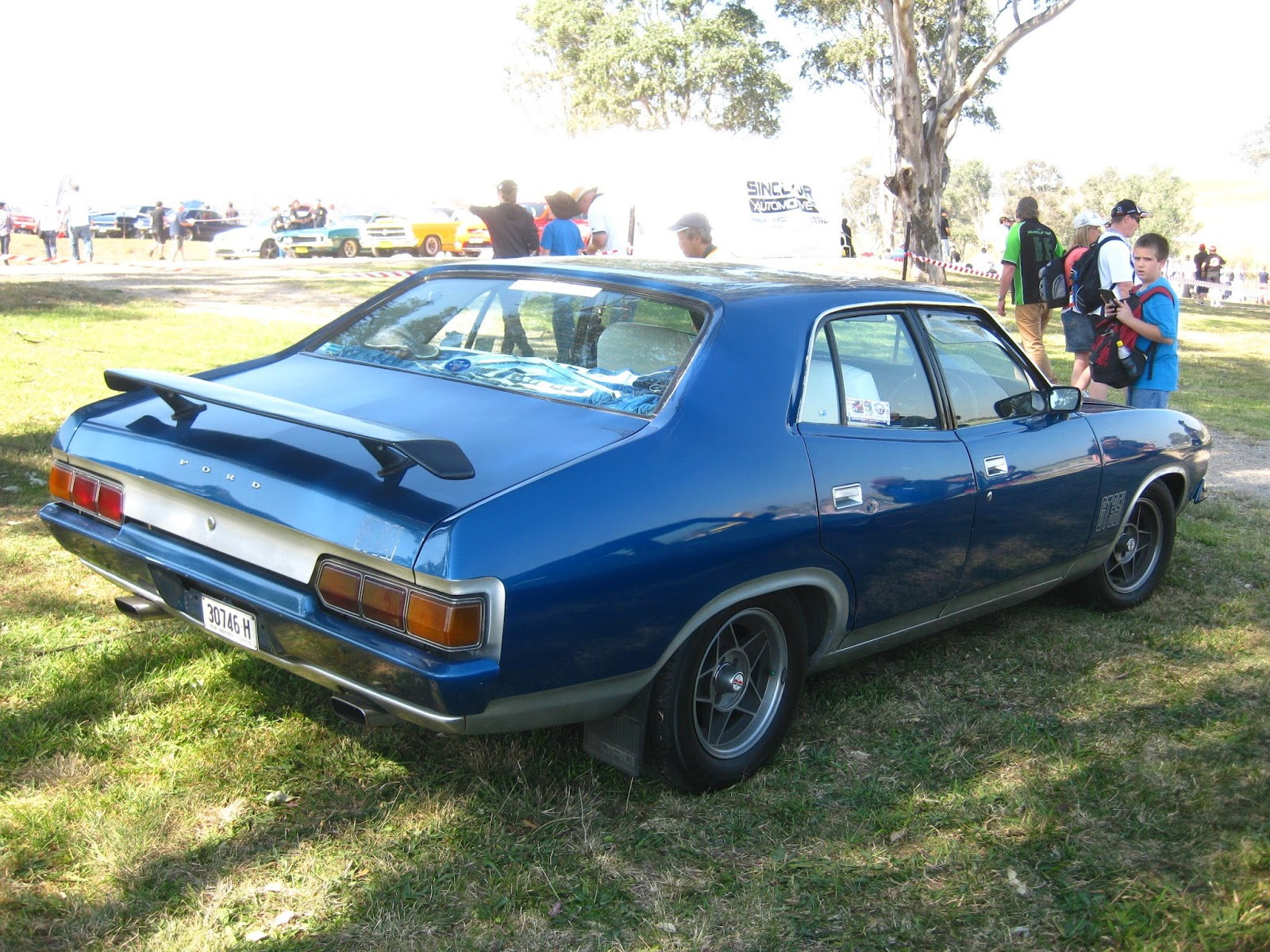 aussie old parked cars 1973 ford xb falcon gt 351 sedan. Black Bedroom Furniture Sets. Home Design Ideas
