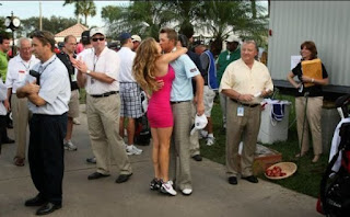 Melisa kissing her husband Matt Jones