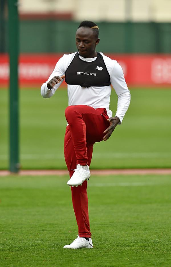 a820ee0e1 Mane has been trying out the next-gen NB Furon 4.0 boots in club training  recently.