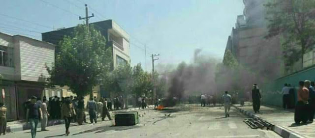 تصعيد الإحتجاجات في مختلف مدن إيران