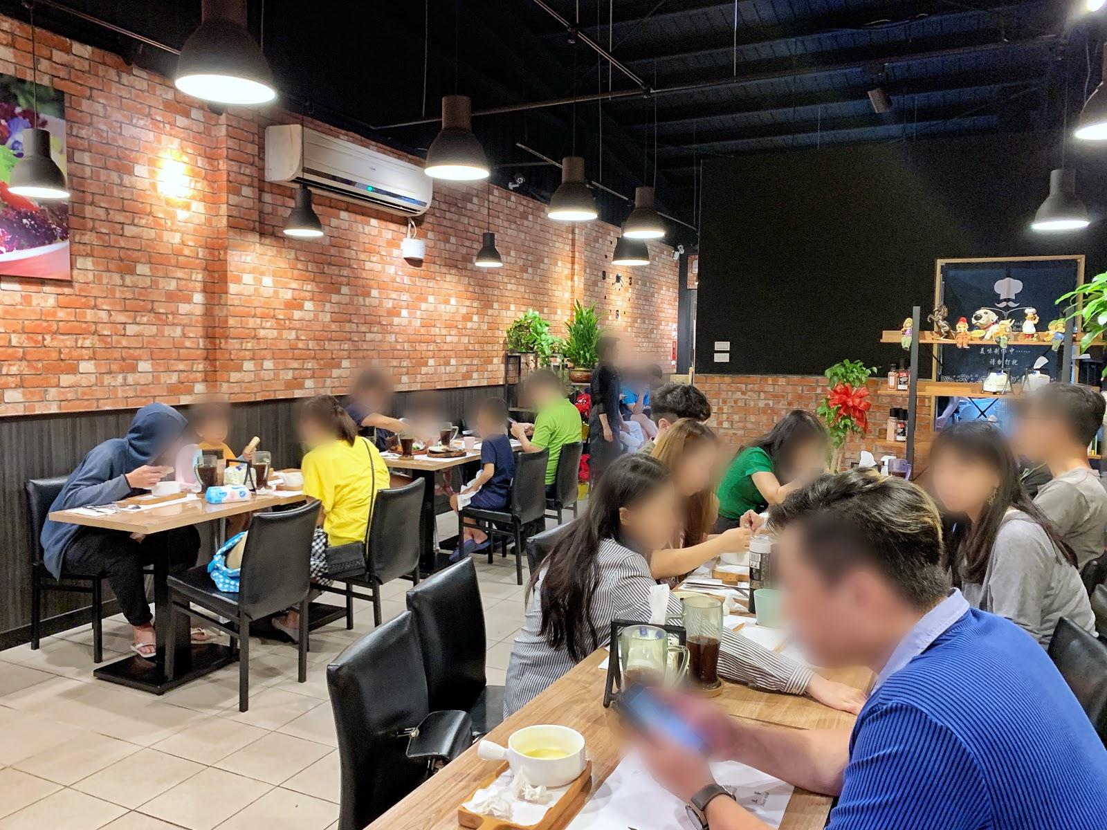 台南中西區美食【丹妮牛排】店內環境