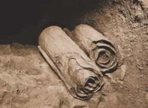 O Livro dos Gigantes com 2.000 anos de antiguidade fala como os Nephilim foram exterminados