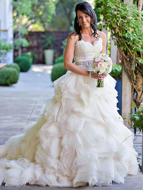 http://uk.millybridal.org/product/a-line-sweetheart-organza-court-train-appliques-lace-new-style-wedding-dresses-ukm00022563-19153.html